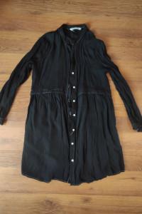 Czarna sukienka Zara...