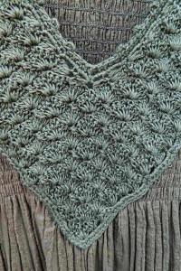 Bawełniana oliwkowa sukienka z koronką luźna wygodna