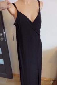 Sukienka typu Mała czarna...