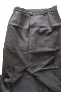 brązowa spodniczka z wełny...