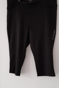 Czarne sportowe legginsy do kolan 52 54...