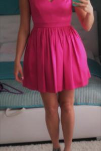 Nowa ciemno różowa sukienka Motive& More Sally S M fuksja...