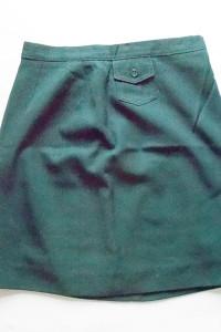 ciemnozielona spodnica