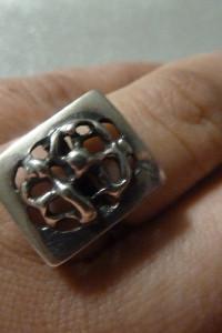 pierścionek srebrny misz masz