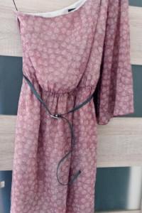 sukienka asymetryczna Guess...