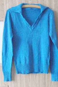 niebieski sweter S