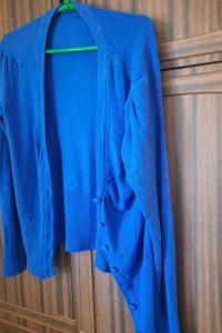 Sweterek z błyszczącą nitką troche mniej intensywny kolor niz na zdjeciu Na metce xl ale raczej L