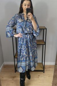 Suknia maxi niebieska wzory
