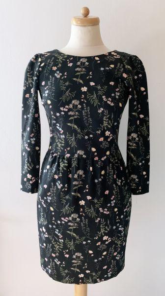 Suknie i sukienki Sukienka Reserved XS 34 Kwiaty Elegancka Kwiatki Midi