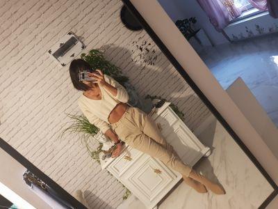Codzienne Sweter oversized nude beige beż spodnie