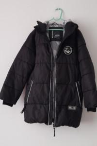Reserved Czarna chłopięca dłuższa kurtka 140 cm...