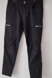 Sinsay Czarne spodnie rurki bojówki 42