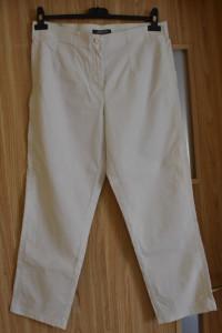 Białe długie spodnie na gumce z prostą nogawką do kostek rozmia...