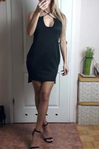 Czarna gładka sukienka M...