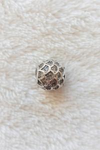 Nowy srebrny koralik beads srebro 925 białe cyrkonie łuski charms modułowa