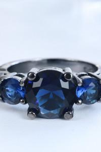 Nowy czarny pierścionek granatowe cyrkonie goth dark retro...