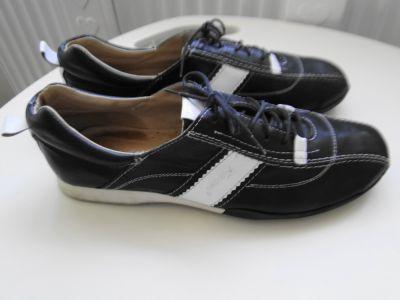 Sportowe Jak nowe sportowe buty adidasy skóra naturalna 39