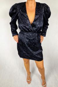 Śliczna satynowa sukienka Nelly