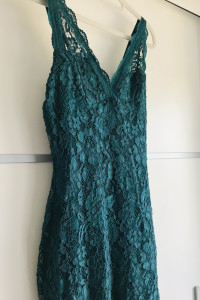 Sukienka koronkowa mega sexi dopasowana na wesele butelkowa zieleń