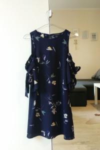 Sukienka hiszpanka w kwiaty Atmosphere XS...