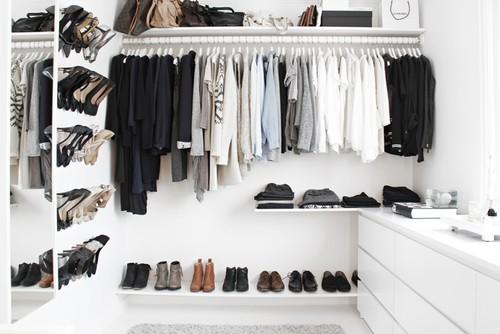 11 rzeczy, które powinnaś wyrzucić ze swojej szafy