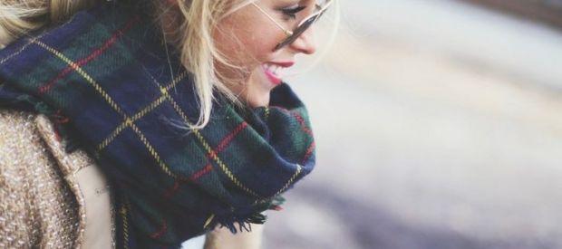 Ogromne chusty, olbrzymie szale - bądź trendy jesienią!