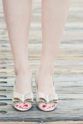 Tanie, modne buty? Sprawdź, jak je upolować!