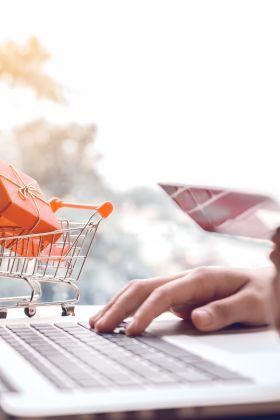 Drogerie internetowe – jak wybrać najlepszą? Bezpieczne zakupy online – PORADNIK