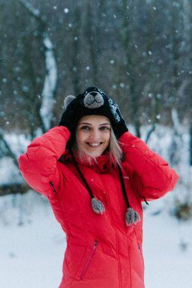 Dlaczego kurtki puchowe bardzo dobrze sprawdzają się w zimę?