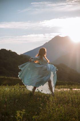 Sukienki na wiosnę 2021 – TOP 5